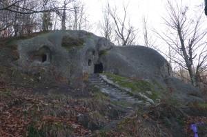 Скальная церковь в с. Розгирче, Карпаты