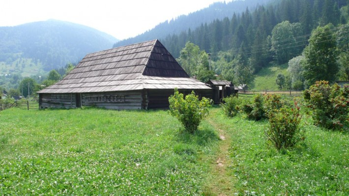 Гуцульская гражда - дом-музей быта и архитектуры Гуцулов